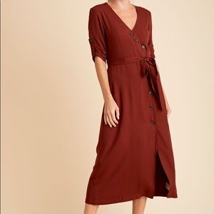 NWT BB Dakota Cherrywood Button Up Midi Dress